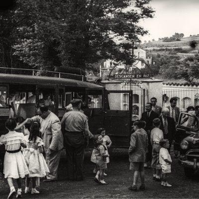 Bateig a Sant Cristòfor les Fonts. ACGAX, Emili Pujol Planagumà, c. 1955