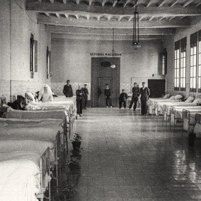 Sala de l'Hospital Sant Jaume d'Olot. ACGAX, Emili Pujol Planagumà, c. 1955