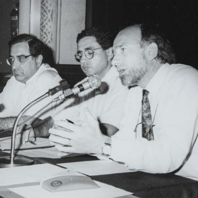 Joaquim Nadal, Ramon Estéban i Arcadi Calzada. ACGAX. L'Ateneu - Grup de debats adherit a l'Orfeó Popular Olotí, 1993