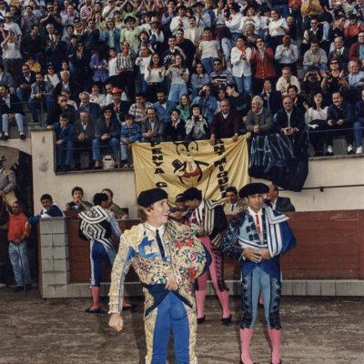 Cursa de braus amb Manuel Díaz 'El Cordobés'. ACGAX. Servei d'Imatges. Fons Jaume Tané Cufí. Autor desconegut, 1996.